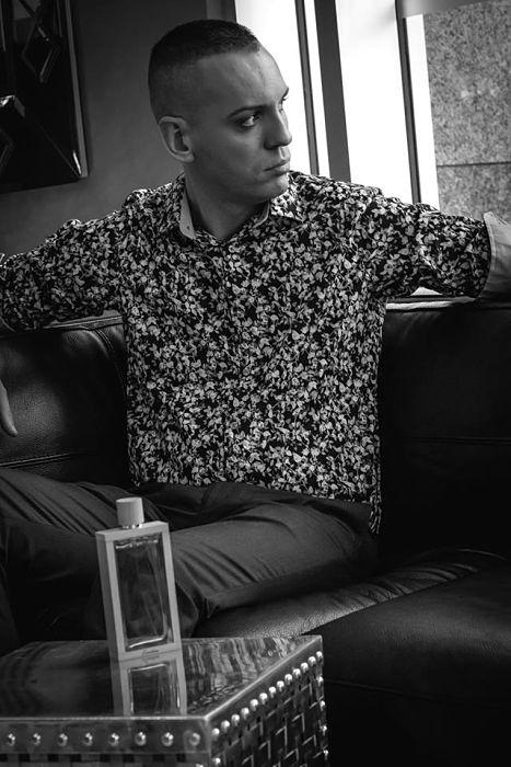 Cheveux: Sébastien Barbier