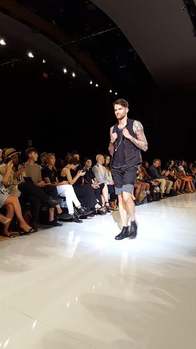 Des vêtements facilement superposables et pouvant se mélanger avec d'autres styles.