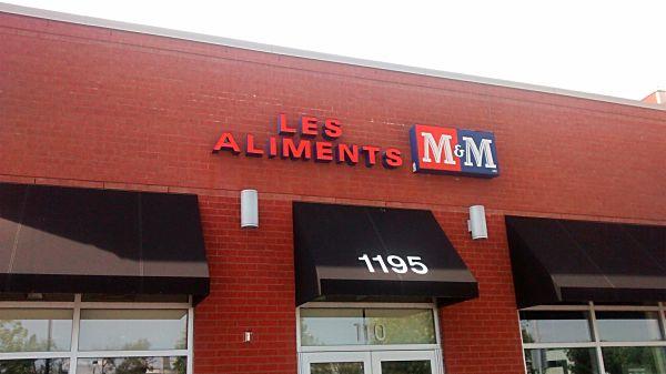 Une journée pluvieuse, mais heureuse avec les Aliments M&M!