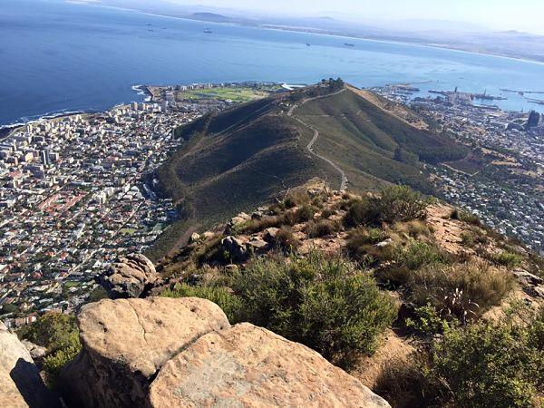 Le célèbre Table Mountain qui surplombe la ville.