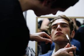 Le nu intégral, c'est une affaire de gars! 4 suggestions beauté maquillage!