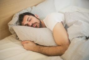 Santé des hommes: Tout savoir sur le ronflement!